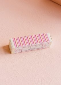 lollia-relax-petite-treat-hand-cream-box_1400x1960